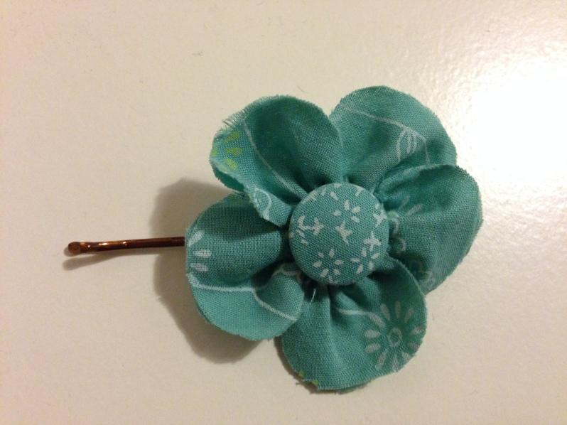 Hårspänne blomma